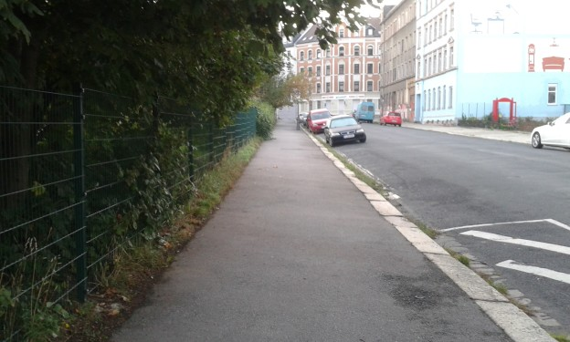 Gepflegter Fußweg